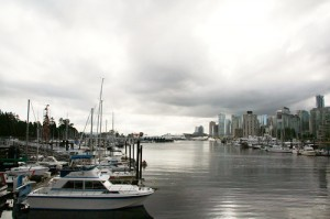 Walking along the Vancouver Coal Harbor: A free thing to do with kids