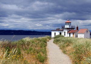 discovery park, a great seattle hike with kids