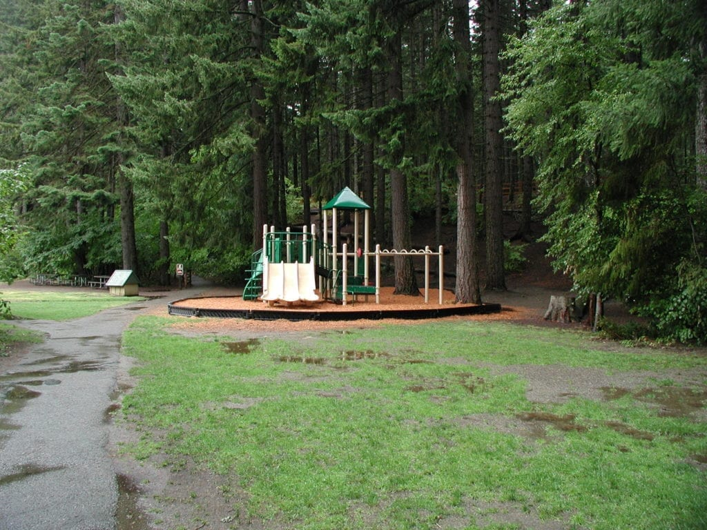 Eastern Washington kid-friendly campgrounds:  Lake Easton